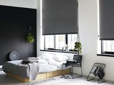#slaapkamer #rolgordijnen #zwart #wit #stoer #inspiratie http://www.woninginrichtingdoetinchem.nl/