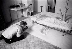 Clic - Douglas Kirkland Fotos Marilyn Monroe, Marylin Monroe, Silk Sheets, White Sheets, Bed Sheets, Santa Monica, Dorothy Parker, Look Magazine, A Night To Remember