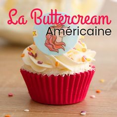 Sweet tooth, this buttercream has it all! The traditional American buttercream is used to decorate cupcakes or garnish a layer cake, or to cover a cake that will then be covered with sugar paste. Fondant Cupcakes, Cake Pop Icing, Cupcakes Amor, Fun Cupcakes, Decorate Cupcakes, Cake Decorating Tips, Sweet Tooth, Dessert Recipes, Cupcake Recipes