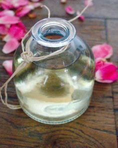 This easy to make rosewater recipe is a smart way to enhance your skin, hair or even eyes. This easy to make rosewater recipe is a smart way to enhance your skin, hair or even eyes. Beauty Care, Diy Beauty, Rosewater Recipe, Making Rose Water, Natural Beauty Recipes, Natural Beauty Products, Rose Essential Oil, Tips Belleza, Belleza Natural