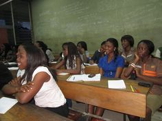 Oau Leo Club Nigeria - Leos hosted a free program for students interested in learning the French language.