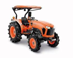 ãng sản xuất: KUBOTA Công suất (kw): 32 Dung tích xi lanh (cm3): 2197 Kích thước máy (mm): 3120x1495x1510 Trọng lượng máy (kg): 1370 Xuất xứ: JAPAN