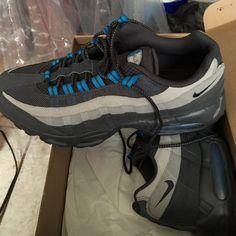 NIKE AirMaxx tennis shoes Tennis shoes Nike Shoes Athletic Shoes