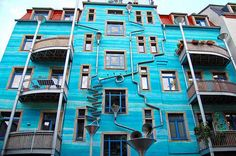 The Funnel Wall rains music, literally! | Designbuzz : Design ideas and concepts