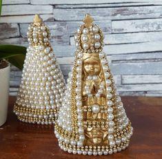 Nossa Senhora Aparecida Baby Dourada em Perolas Santa Baby, Decorative Bells, Favors, Mandala, Sandro, Restore, Album, Plaster Crafts, How To Make Crafts