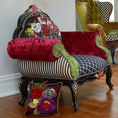 Bohemian furniture as a rule isn't found in a store. These rooms will in general be loaded up with furniture gathered after some time, so second-hand and… Bohemian Furniture, Funky Furniture, Plywood Furniture, Bohemian Decor, Painted Furniture, Furniture Ideas, Boho Chic, Furniture Cleaning, Furniture Movers