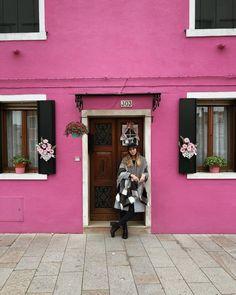 #milan #italy #burano #pink #house #inspiration #instagram #girl #photography Milan Italy, Girl Photography, Garage Doors, Outdoor Decor, Pink, House, Inspiration, Instagram, Home Decor
