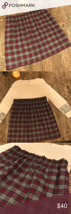 """J.Crew Plaid Skirt This J.Crew skirt is great to wear with tights and boots!  Details: 17 1/2""""  Elastic Waist Band Lined Pockets  Excellent Condition. Gently Used. Smoke Free Home.  Reasonable offers will be considered.  No trades. J. Crew Skirts Mini"""
