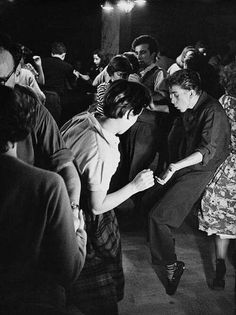 "A brand new scene publicationFrom the scene for the world"", is the Motto of the new downtown dance publication Lindy Hop, Shall We Dance, Lets Dance, Rockabilly, Rock And Roll, Party Fotos, Vintage Photos, Old Photos, Swing Dancing"