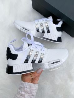Swarovski Adidas Womens Kids NMD Customized With Swarovski Adidas Girls Shoes, White Nike Shoes, Adidas Outfit, Girls Sneakers, Sneakers Fashion, Fashion Outfits, Addias Shoes, Kicks Shoes, Hype Shoes