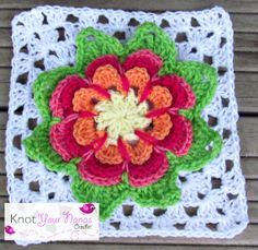 Flower Granny Square Patterns | http://olavas.blogspot.co.nz/2012/10/flower-pattern-in-english-o.html
