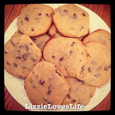 LizzieLovesLife: Chewy Chocolate Chip Cookies