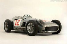 1955 British GP, Aintree : Stirling Moss' Daimler Mercedes-Benz-W196, Winner. (ph: ultimatecarpage.com)