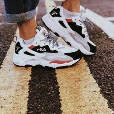 Tênis Fila X Nike Vans Shoes, Sock Shoes, Adidas Shoes, Shoes Sneakers, Shoes Heels, Trendy Shoes, Cute Shoes, Me Too Shoes, Baskets