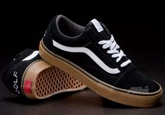The famous Odd Future x Vans Syndicate Old Skool Pro S is one of the most glorified sneakers of the last few months. Vans Sneakers, Vans Shoes, Estilo Vans, Sock Shoes, Shoe Boots, Street Style Shoes, Outfits Hombre, Vans Outfit, Formal Shoes