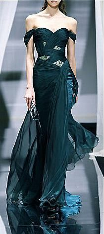 Flowy, emerald dress. Adore the sparkle!
