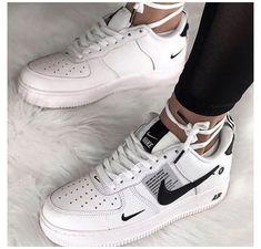 Nike Shoes Air Force, Nike Air Force Ones, Nike Fashion, Sneakers Fashion, Mens Fashion, Woman Fashion, Kicks Shoes, Shoes Sneakers, Nike Women Sneakers
