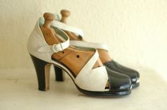 vintage 1930s shoes / 40s black and white by honeytalkvintage, $185.00
