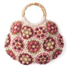 愛用の一品を編む10時間以上お花や木の実をたわわに編み込む 特別な日に持ちたいバッグ。 モチーフと色のハーモニー 裏布付きで本格仕上げのかぎ針編みニットバッグの会(3回限定コレクション)
