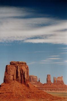 Utah - Monument Valley Buttes (by Darrell Godliman)