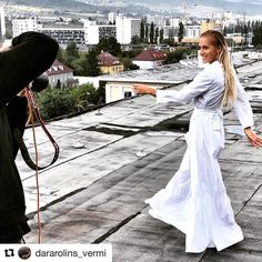 Úžasná Dara v úžasných šatách TwinSet �� #Repost @dararolins_vermi with @repostapp ・・・ Slovensko bye bye, vidime sa coskoro zas a potom znova, ale Lola volaaa❤️ #comingHome #somNaCeste #walkOnBy #dararolins #twinsetbratislava #photoshoot #rooftop #ootd #celebrity #instafamous #famous #dress #to #impress #style #stylish #white #look #gorgeous #feminine #summer http://tipsrazzi.com/ipost/1509616844653405152/?code=BTzPIWcgyPg