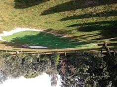 green de golf con antegreen y bunker instalado en Chapineria, Madrid. A este green se pueden hacer mas de 7 distintos golpes de 35-45 mts de distancia media.