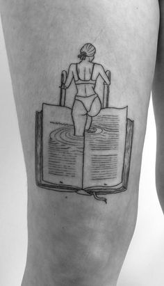 Awe-inspiring Book Tattoos for Literature Lovers creative book tattoo ideas © . - Awe-inspiring Book Tattoos for Literature Lovers creative book tattoo ideas © tattoo artist PanRo - Tattoo Buch, Book Tattoo, Tattoo You, Tattoo Hand, Simple Line Tattoo, Line Work Tattoo, Tattoo Designs, Wolf Tattoo Design, Tattoos For Lovers