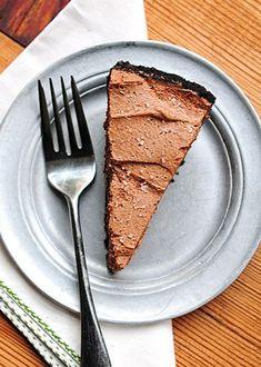 Baileys Salted Caramel Chocolate Pie -- So very easy!.