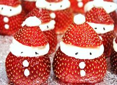 Want a recipe for party food that's gluten free and as cute as a button? We bet you do! Here's how to make gluten free Strawberry Santas, easy peasy. Makes 10 Ingredients 10 large strawberries 200g...