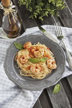 Capellini with Shrimp and Creamy Tomato Sauce -26 Easy Dinner Recipes