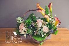 Habi flower, Habi studio, flower arrangement, birthday flower, Habi design, flower box, flower wooden box, vintage flower box