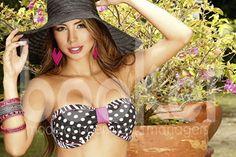 Belleza, dulzura, profesionalismo y carisma, hacen que Sandra sea un modelo única.