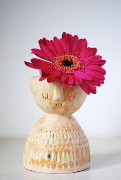 Little lady pot by Stella Baggott, via Flickr elementary art education ceramics lesson clay pinch pot vase