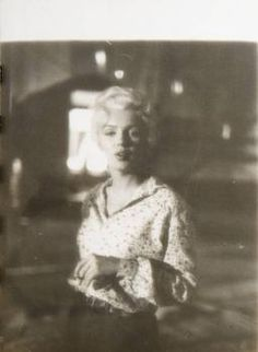 MARILYN MONROE RIVER OF NO RETURN PHOTOGRAPHS - Current price: US$450