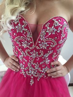 2017-01-21-photo-00002401 Hand Embroidery Dress, Beaded Embroidery, Prom Dresses, Formal Dresses, Wedding Dresses, Glamour, All About Fashion, Dress Codes, Girly Girl
