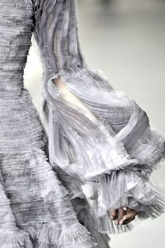 Beautiful shredded sleeve