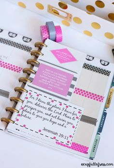 How I decorate my planner. Free Bible Verse Printables. Jeremiah 29:11