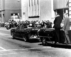 Jackie Kennedy's Secret Service Agent Reveals Horrifying New Details About JFK's Assassination Jacqueline Kennedy Onassis, Jackie Kennedy, American Presidents, American History, John Connally, Warren Commission, United States Secret Service, Kennedy Assassination, Jfk Jr