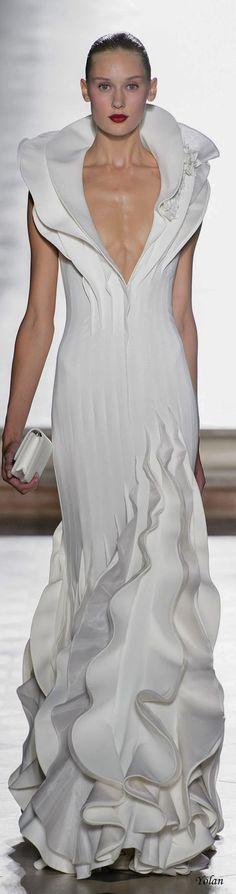Tony Ward Fall 2017 Couture Fashion Show - The Impression Tony Ward, Style Couture, Haute Couture Dresses, Couture Fashion, Fall Wedding Dresses, Wedding Gowns, Party Fashion, Fashion Show, White Fashion