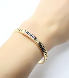 Bracelet cadeau femme porte-bonheur love