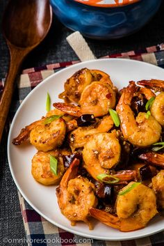 Sichuan Spicy Shrimp Stir-Fry | These hot shrimp are so appetizing, scrumptious, and flavorful, that you can hardly imagine they require only 15 minutes to get ready, including marinating time!