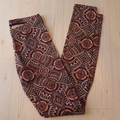 New Charlotte Russe Kaleidoscope Leggings - Small Brand new! Charlotte Russe Pants Leggings