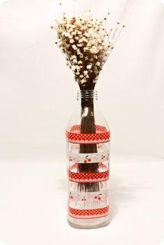 Do It Yourself - DIY - Garrafas de vidro decoradas com decotape - fitas  adesivas - Tuty - Arte & Mimos www.tuty.com.br