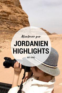 Jordanien mit Kind: Ein Highlight ist das Wadi Rum und eine Jeeptour durch diese beeindruckende Wüste von Jordanien. Wadi Rum, Travel Guides, Travel Tips, Travel Around The World, Around The Worlds, Jordan Travel, Places To Travel, Traveling By Yourself, The Good Place
