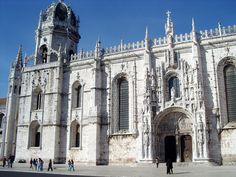 Day 9-Jeronimos Monastery Tempat ini adalah monumen nasional ditemukan oleh King D. Manuel yang berada di Lisbon #AviaPromo #Liburan #Wisata #Tour