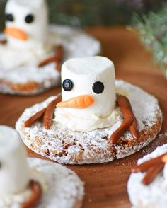 Oh no the Snowmen are melting! Check out these super cute No-Bake Melting Snowman cookies for some seriously delicious fun! Thank you @dancingdeerco for some local deliciousness straight from Boston.  The recipe is on our site today! Check out our link in the bio. #DancingDeer #Snowmen #cookies #meltedsnowman #dessert #holidays #kidfriendly #shortcut #nobake #igdaily #feedfeed #buzzfeedfood #huffposttaste ad