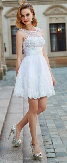 41 meilleures images du tableau Chic robe de soirée courte   Bare ... b52fd43c048