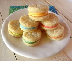 Swedish cream cookies are basically smooth, creamy frosting sandwiched between two tender pie crust circles.