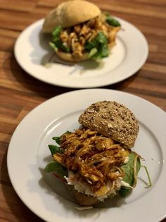Broodje pulled barbecue chicken – Judoka Margriet Bergstra Food Blogs, Pulled Pork, Salmon Burgers, Barbecue, Bread, Breakfast, Ethnic Recipes, Drinks, Shredded Pork