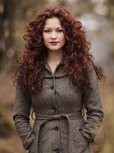 Beautiful-Woman-red hair henna hennasooq red raj gloss bar bars ayurvedic ayurveda care color dye natural organic close up